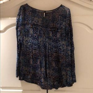 Patterned Long Sleeved Pleated Blouse